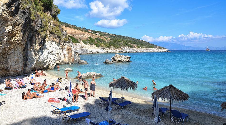 spiaggia di xigia zante zakynthos